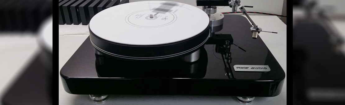 Joy TT1 Turntable